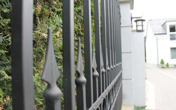 Metal jak malowany, czyli farby antykorozyjne na ogrodzenia