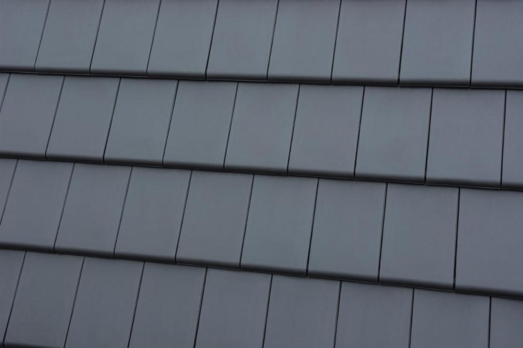 Dachówka Bergamo antracytowa fot. Röben